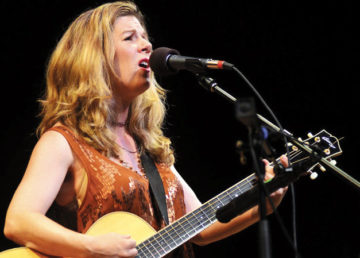 Singer-songwriter Dar Williams is set to perform on Friday, January 31.