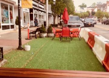 Parklet street space for restaurants